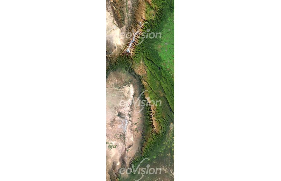 Die Amerikanischen Kordilleren erstrecken sich im Westen Nord- und Südamerikas.