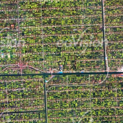 Netze der Kanäle und Straßen, sowie bäuerliche Kleinbetriebe
