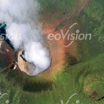 Nyiragongo - aktiver Vulkan und Lavasee
