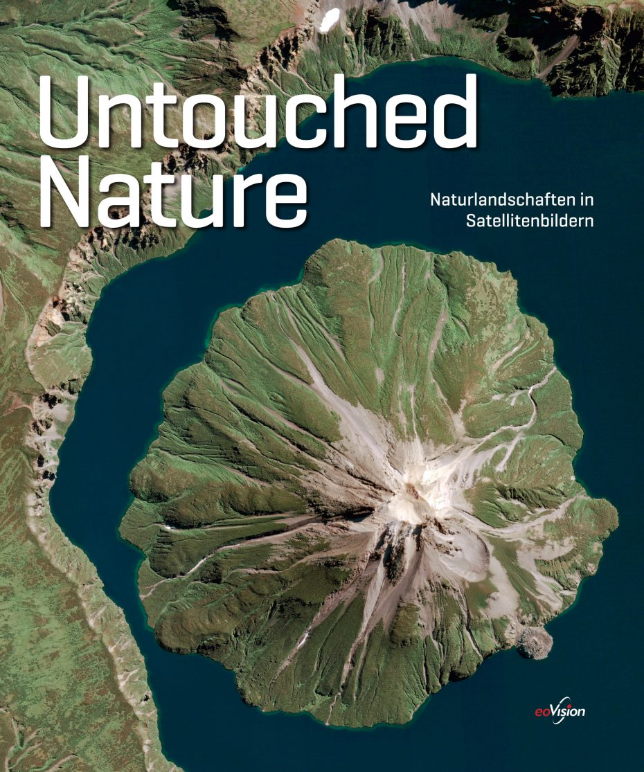 "Cover des Bildbandes ""UNTOUCHED NATURE - Naturlandschaften in Satellitenbildern"""