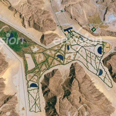 künstlich angelegte Oase im Wadi Rum ist Teil einer Palastanlage des jordanischen Königs