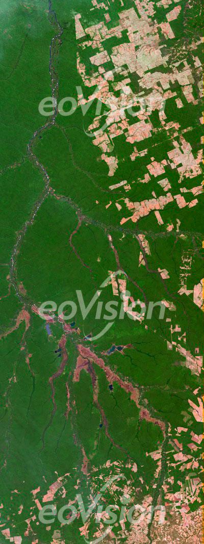 Rio Xingu - einer der großen rechten Nebenflüsse des Amazonas im Tiefland von Brasilien.