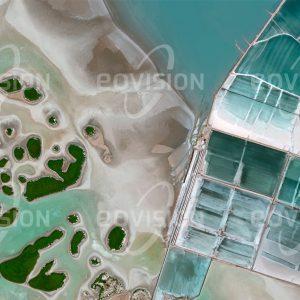 """Das Satellitenbild """"TUZ GÖLU - Türkei"""" ist dem Bildband """"WÜSTEN - Lebensraum der Extreme"""" entnommen. Bildbeschreibung: Zu diesem Bild gibt es keine Bildbeschreibung"""
